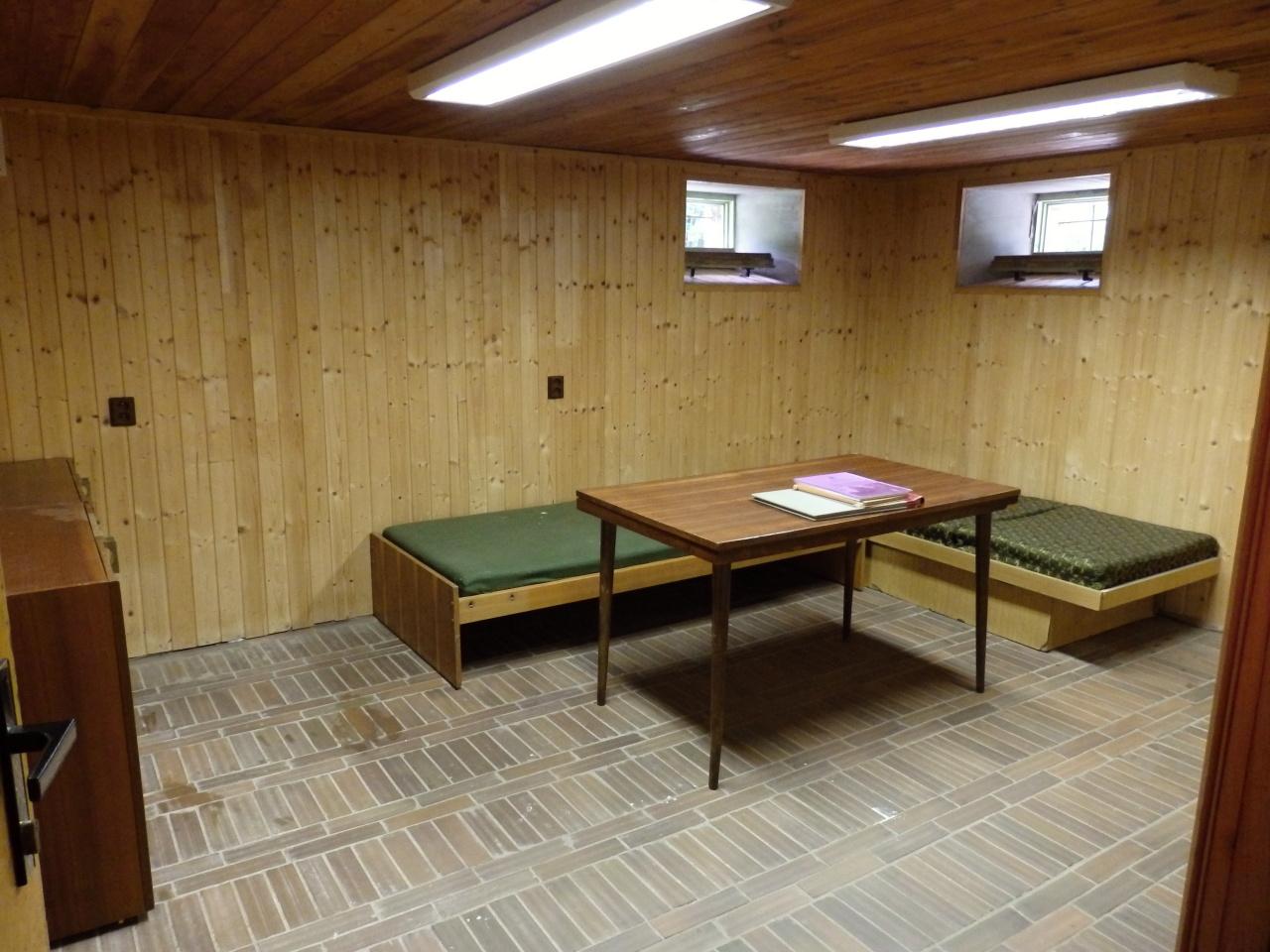 Suterén - týmová místnost